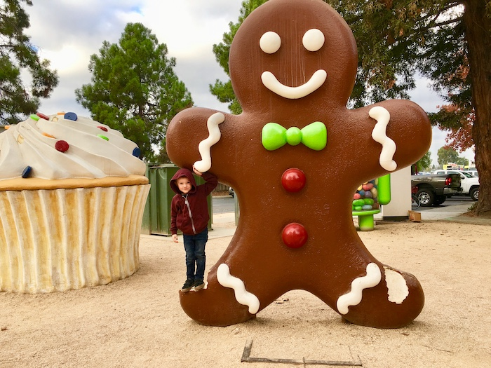 Google android statue gingerbread man